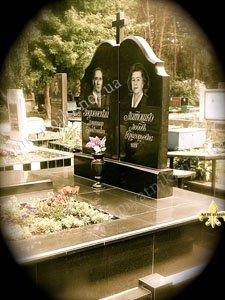 одинарный памятник в Киеве