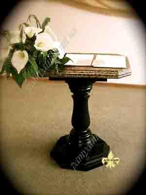 стол на кладбище
